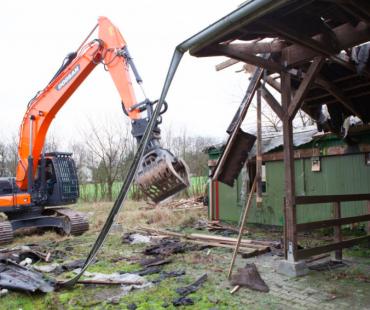 Die Nebengebäude werden abgerissen