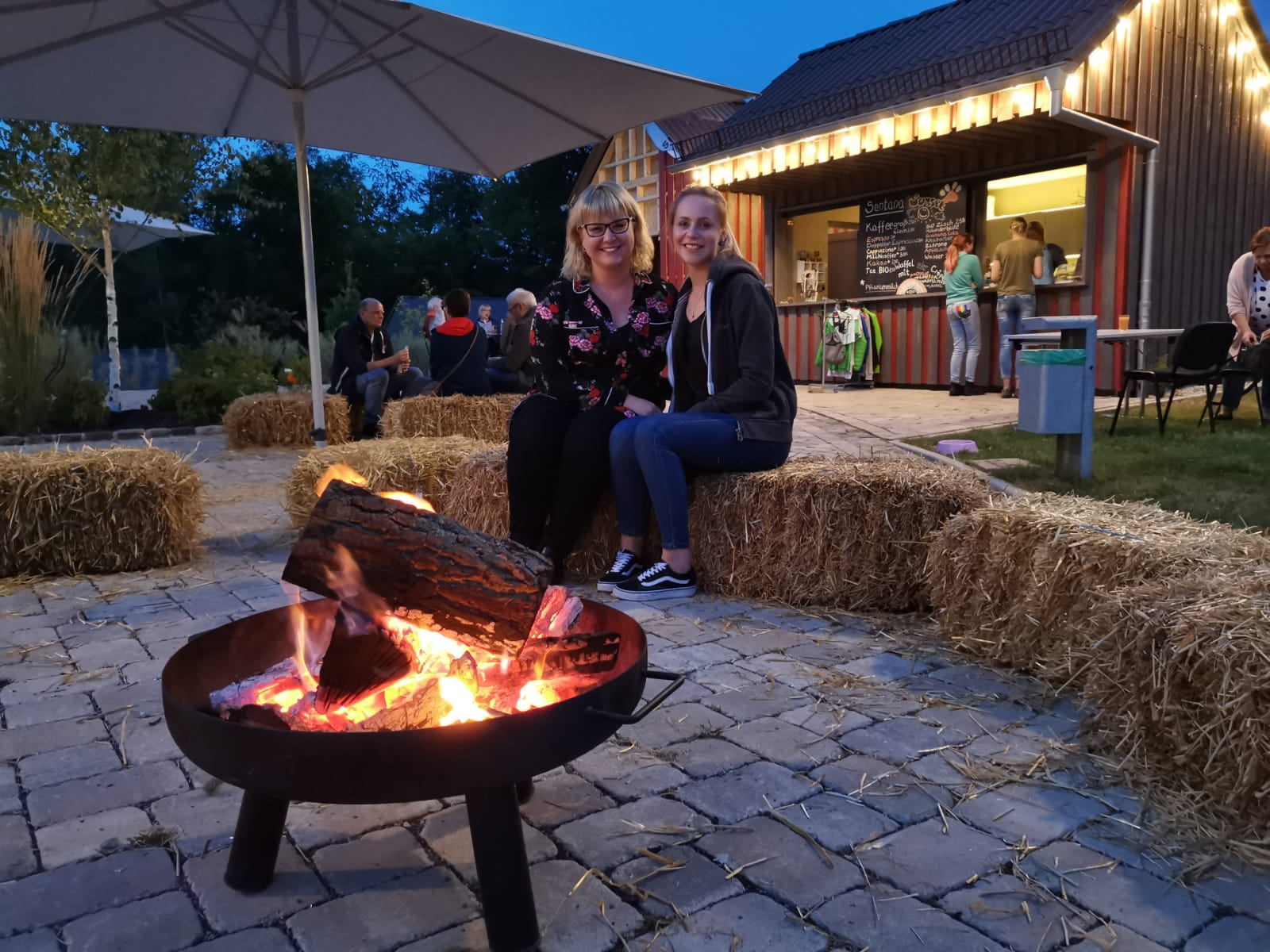 Sommerabend im Dorf
